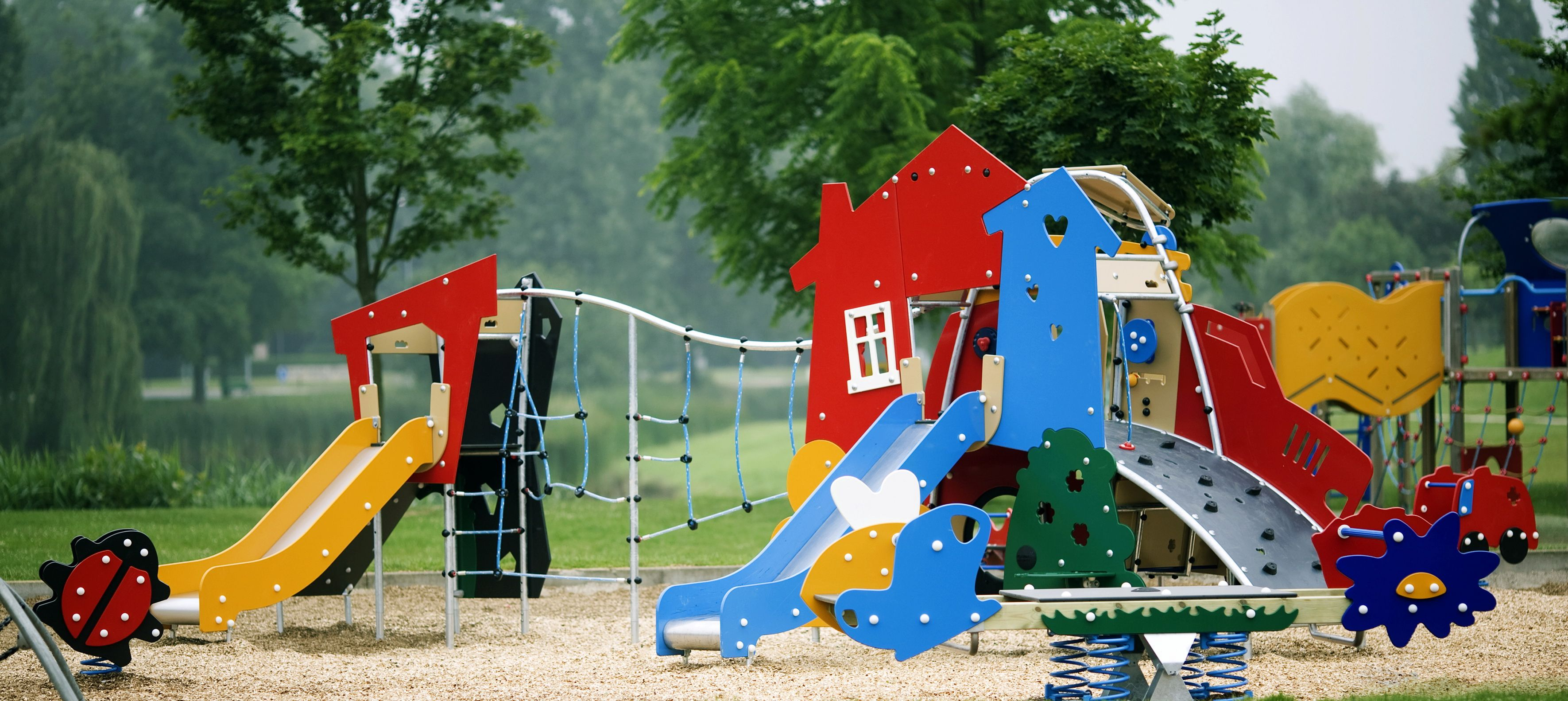 Commercial playground equipment manufacturer kompan for Playground usati